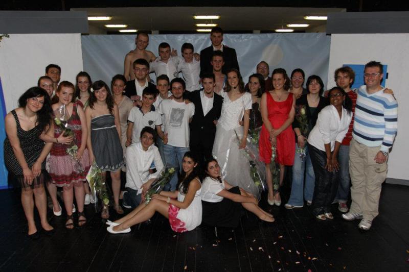 Foto di Gruppo dei Rompiscena, appena conclusa la prima rappresentazione di Mamma mia!