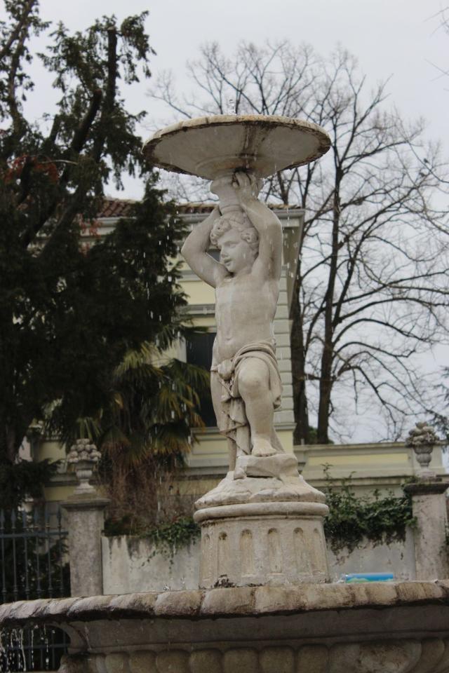 Putto della fontana dei Frati
