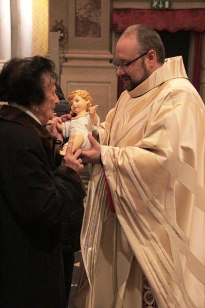 il bacio a Gesù Bambino
